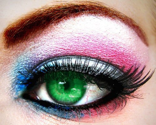 Are you a makeup fanatic like me? You're sure to enjoy these 50 amazing fun facts about makeup and cosmetics! #Makeup #Cosmetics #FunFacts